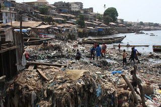 The overcrowded slums of Moa Wharf in eastern Freetown, site of the last Ebola cases in Sierra Leone. Photo by Laurence Ivil