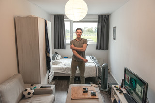 Matthias in his room at Startblok. Photo by David Hup